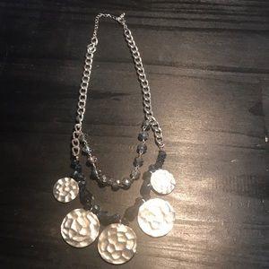 Jewelry - Gorgeous silvertone necklace w/beads